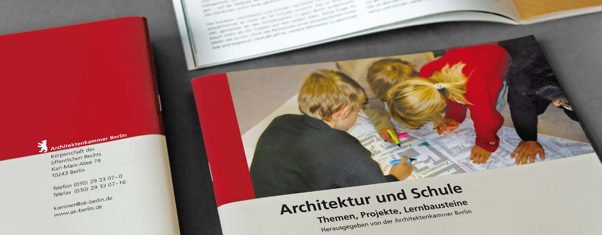 Front cover the brochure Architektur und Schule for the Chamber of Architects Berlin; Design: Kattrin Richter | Graphic Design Studio