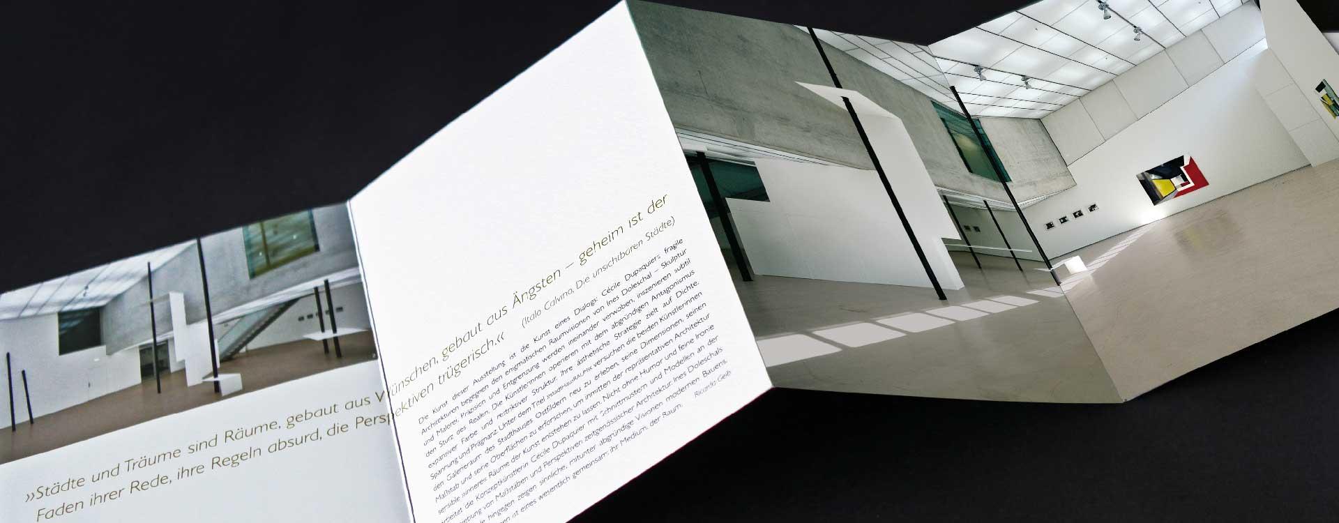 Leaflet for the exhibition StadtHausRaum with Ines Doleschal and Cécile Dupaquier in the Ostfildern Town Gallery; Design: Kattrin Richter | Graphic Design Studio